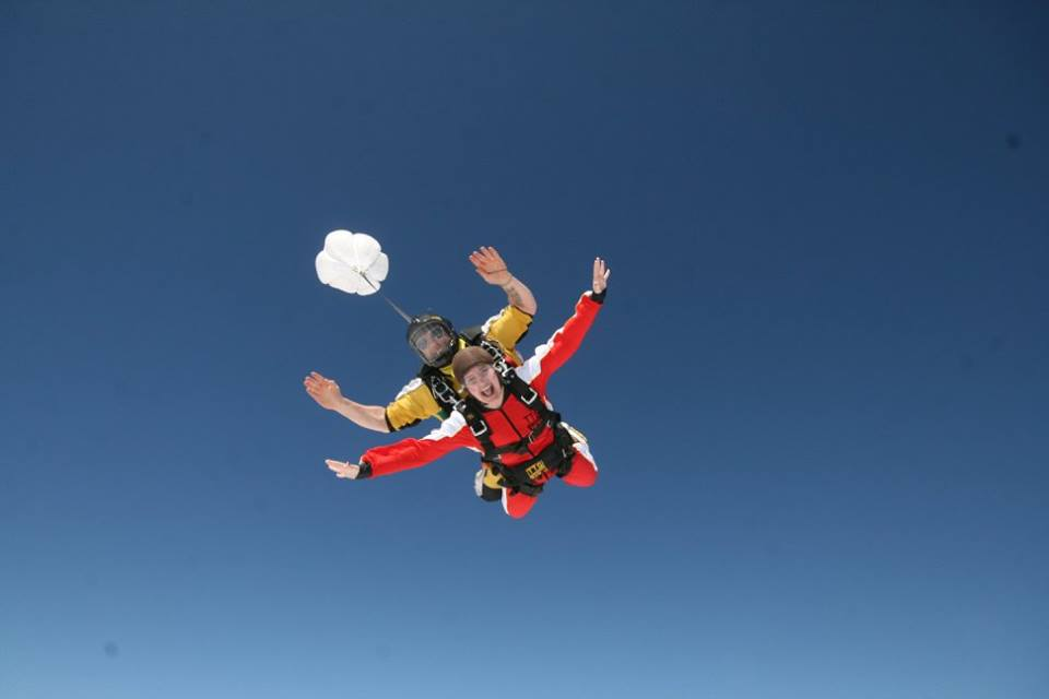 Wheaton student skydiving in New Zealand
